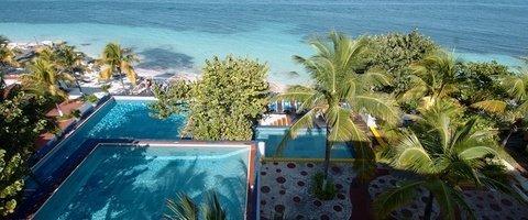 Alberca exterior Hotel Maya Caribe Beach House